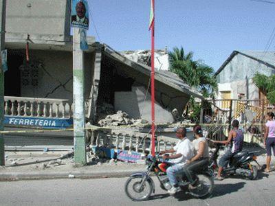 earthquake-puerta-plata-ferreteria