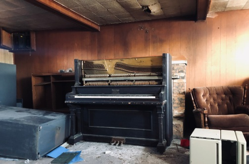 Sovereign Piano Toronto, made exclusively for J. Faskin McDonald, Hamilton, Ont